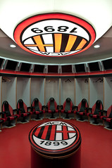 AC Milan Dressing room (James Warwood) Tags: italy milan football nikon soccer dressingroom acmilan ac d5000 pse8