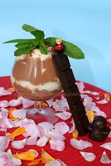 Dolce al cucchiaio al cioccolato, menta e melissa
