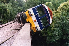 59103 6A20 Great Elm Sept 2000 (MrGloverman) Tags: derailed hanson derailment class59 59103