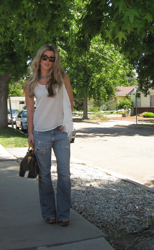Leyendecker blouse+ripped Levis jeans+Miu Miu clog sandals+Louis Vuitton bag-2