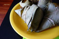 ZongZi.Step2.Ready_to_eat (11) Tags: rice homemade redbean madeitmyself zongzi    dimsim