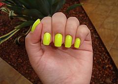 la pogee esmalte verde limão fluorescente