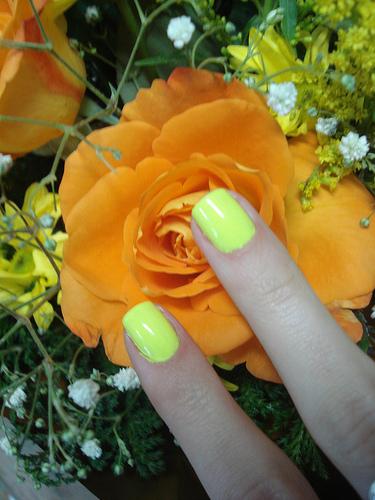 fotos esmalte verde limão