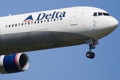 N833MH - 29706 - Delta Air Lines - Boeing 767-432ER - 100617 - Heathrow - Steven Gray - IMG_4095