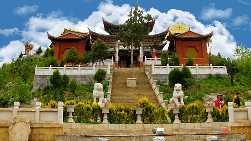 shangrila old town temple