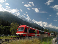 Chamonix (TomLiaPhotography) Tags: mountains alps train chamonix