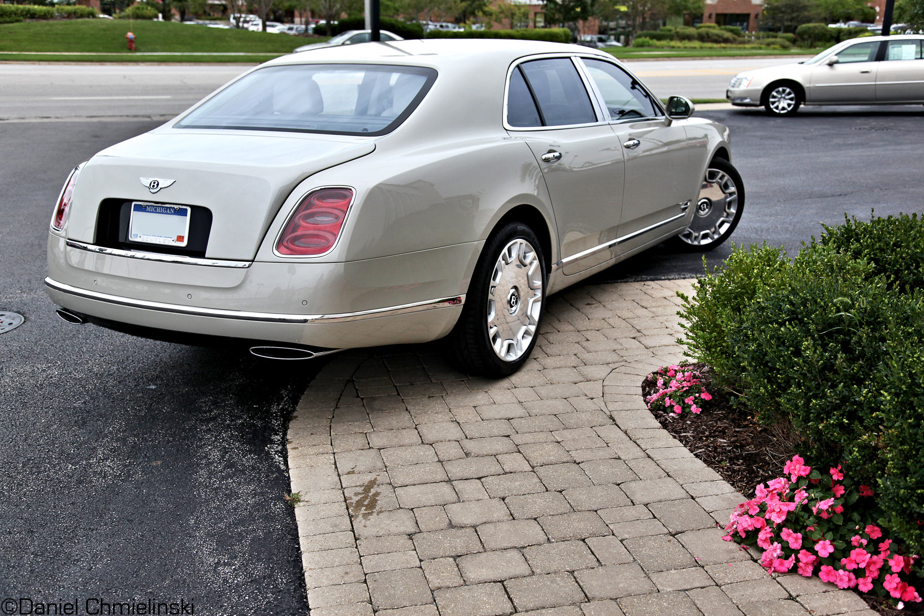 silver bentley mulsanne
