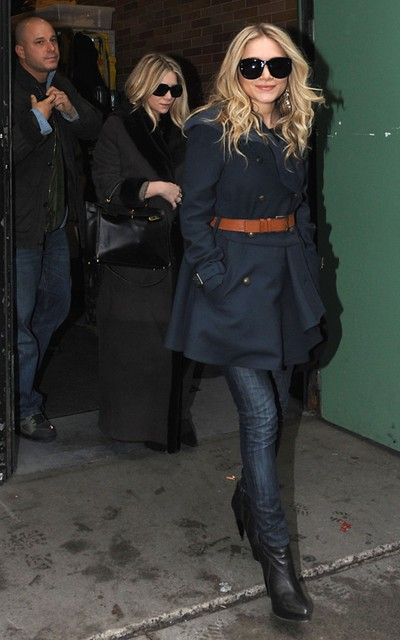 Mary_Kate_Leaving__quot_Good_Morning_America_quot__in_New_York__February_03__2010