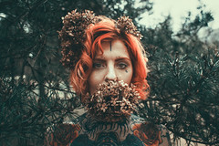 Julia Retro III (Martin Neuhof | martin-neuhof.com) Tags: redhead nature tattoo piercing girl face people martinneuhof leipzig fotograf
