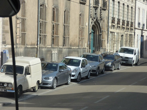 Dijon from the coach -  Rue Chabot Charny - Bibliothèque Municipale de Dijon