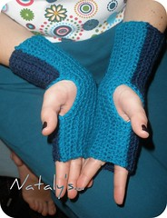 Double sided fingerless gloves