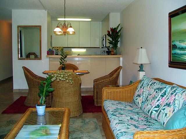 Kamaole Sands 2-107 Living Area