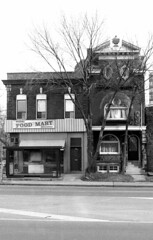 Historic photo from Sunday, January 31, 1988 - South east corner of Spadina Ave and Sussex Ave in Huron Sussex