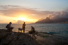 (MonicaDiBlasio) Tags: pordosol sea mar ipanema senset arpoador zlobato