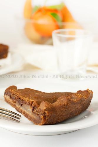 Crostata di farina di castagne con pere e cioccolato