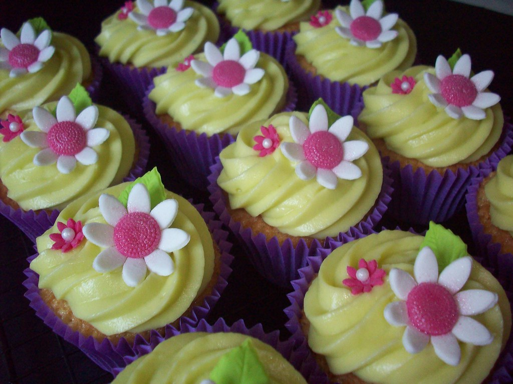 Pirate cupcakes and flowers too