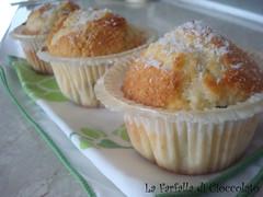 Muffin al cocco e gocce di cioccolato 1
