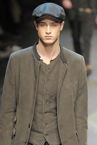 Aram Gevorgyan3083_FW10_Milan_Dolce&Gabbana(gsquared2@mh)
