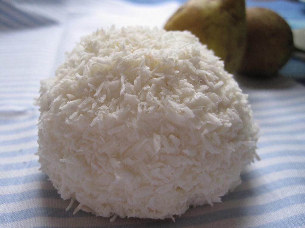 Coconut mascarpone cream bombes