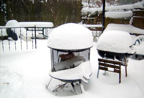 snow alexandria yard virginia fireplace outdoor grill frontyard 2009 outdoorfireplace clintandcarolynshouse 20091219 200912 snow20091219