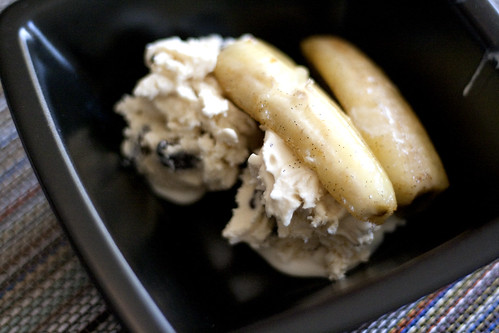 sauteed bananas with vanilla and ice cream