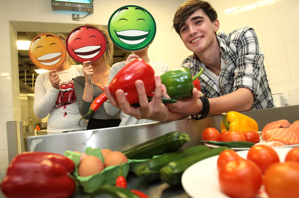 :: New Campaign To Put Irish Students In A Good Mood With Food!