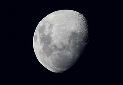 Moon (Zach Liepa) Tags: moon canon is day australia efs 2010 f456 40d 55250