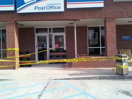 Somebody crashed car into Brooklet Post Office