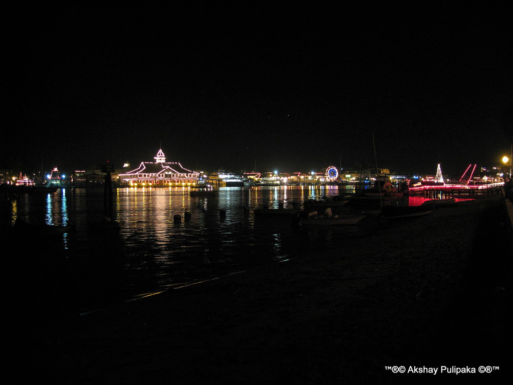 yacht Decorations for Christmas in Balboa Island, Newport