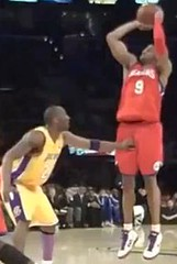 Kobe Bryant punches Andre Iguodala in the balls