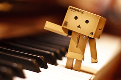 Listen to my piano solo~  (Ali Tse) Tags: toy toys amazon piano limited danbo revoltech jfigure danboard