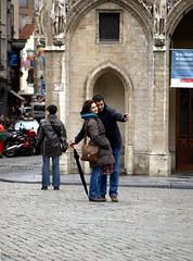 Everyday People (Rick & Bart) Tags: people grandplace candid bruxelles menschen brussel personnes grotemarkt mensen smörgåsbord everydaypeople fotograaf insanlar stangers streetphotograpy الناس vreemden photoghraper botg rickbart rickvink