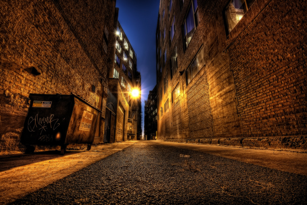 An alley in Chicago's River North area.