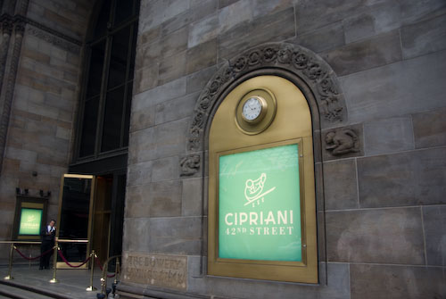 A green Cipriani sign