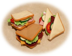 Pretend Play Kitchen - Sandwiches, in Felt (Hiromi Hughes) Tags: felting handmade sewing patterns craft sew felt instructions sandwiches pretendplay templates feltfood feltcuisine hiromihughes pretendplayfood pretendplaykitchen