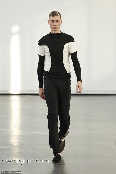 Johannes Linder3060_SS10_Paris_Romain Kremer(prestigium.com)