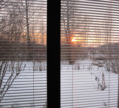 25.3.2010 (catarina.berg) Tags: winter sunset sky sun snow window sweden sverige eker