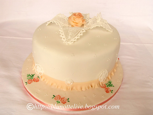 mum's cake with royal icing
