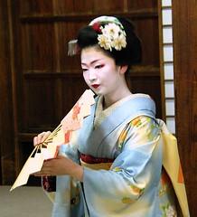 Maiko Naokazu (September_Okayama) Tags: portrait music beauty japan garden temple japanese dance kyoto pentax performance maiko geiko geisha 京都 tamron 舞妓 上七軒 naokazu 尚可寿