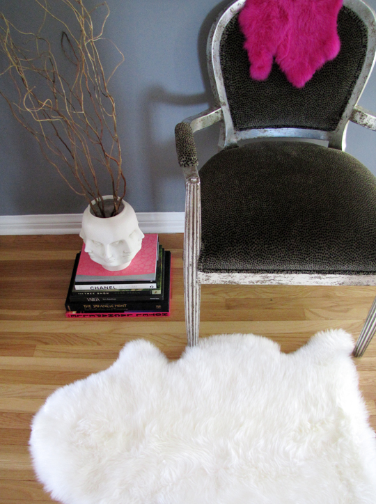 animal print silver chair+sheepskin rug