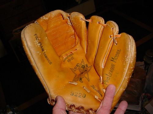 Wales Baseball Glove 9220 - Before 2