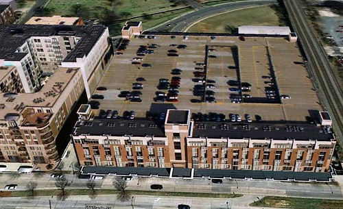 Gateway Village parking garage, with Gateway Lofts in front (via Google Earth)