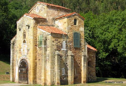 San Miguel de Lillo. Prerrománico asturiano