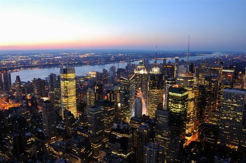 Nueva York se prepara para recibir la noche