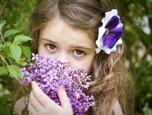 フリー写真素材, 人物, 子供, 少女・女の子, 人と花,