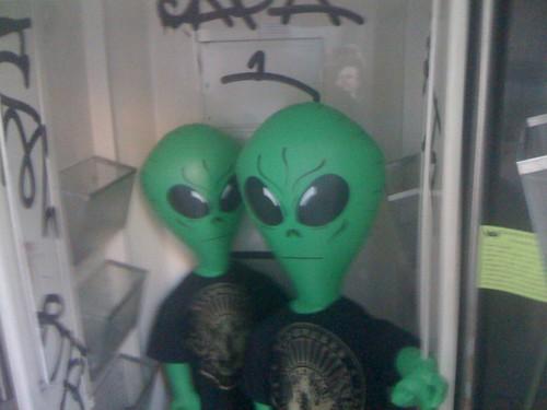 Alien buddies