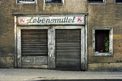 Lebensmittel (foddokross) Tags: sign shop closed decay laden schild signage type ddr typo eastern schrift gdr ost shopfront konsum lebensmittel verfall sachsenanhalt drugstrore eckartsberga