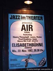 Air - 1982 in der Elisabethbhne Salzburg ... lange ist es her! (jazzfoto.at) Tags: music salzburg club austria concert live jazz noflash konzert jazzclub autriche fujifinepix jazzmusic withoutflash salisburgo jazzit sterrike salzburgo jazzconcert jazzkonzert livejazz salzburgaustria jazzlive avusturya salzbourg  ustria konzertfotos ohneblitz austriasalzburg henrythreadgill volksheim konzertfoto jazz salzburgoaustria  photos clubkonzert s100sf jazzfoto photo fujifinepixs100sf blitzlos wwwjazzfotoat jazzitsalzburg markuslackinger jazzitmusikclubsalzburg clubatmosphaere jazzkellersalzburg jazzinsalzburg wwwjazzitat salzburgjazz jazzit2010 henrythreadgillzooid concert salisburgoaustria salzbourgautriche salzburgoustria austriasalzburgo autrichesalzbourg austriasalisburgo ustriasalzburgo