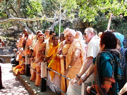 H H Jayapataka Swami in Tirupati 2006 - 0034 por ISKCON desire  tree.