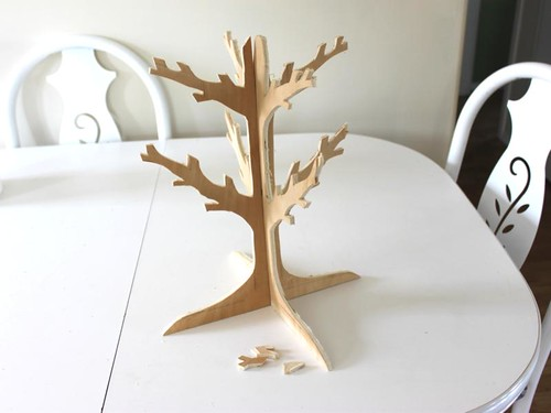 Necklace Tree Standing